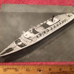 Cunard : QE2 Publicity Photo … Model Ship