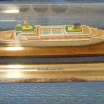 Home Lines: Fine Encased Oceanic Model